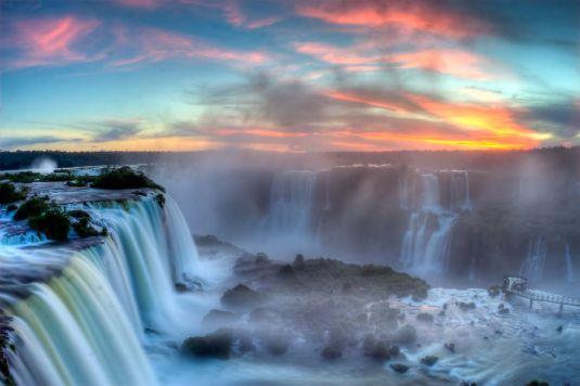 Sunset_over_Iguazu2__700
